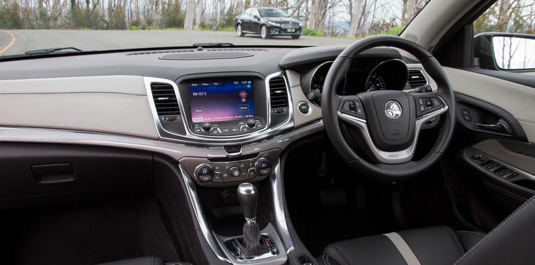 2014-2x1-holdenvsford-calaisandG6E-sedans-7