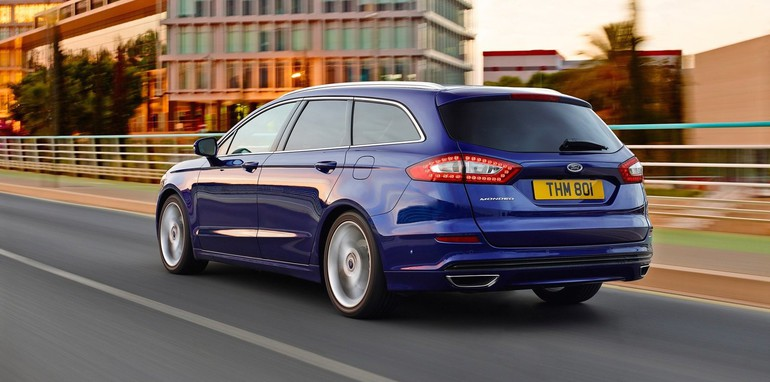 2015-Ford-Mondeo-wagon