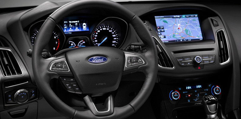 2015-ford-focus-interior-1