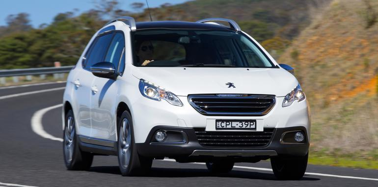Peugeot-2008-white-driving