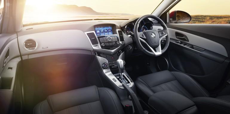 2015-Holden-Cruze-5