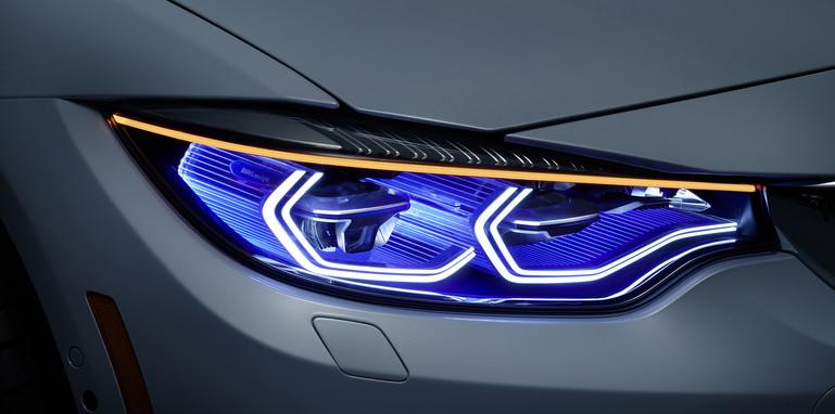 bmw-m4-iconic-lights-headlights