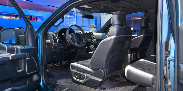 ford-f-150-raptor-interior