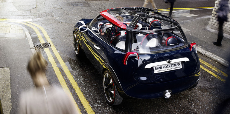 mini-rocketman-uk-edition-rear
