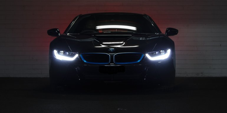 2014-bmw-i8-edrive-56