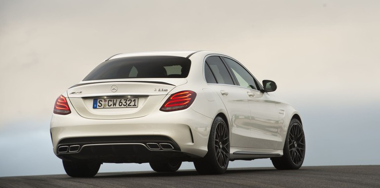 Mercedes-AMG C 63 S designo diamantweiß bright