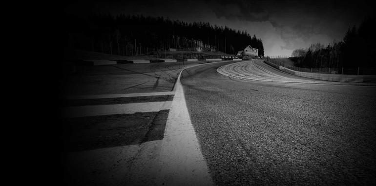 aston-martin-vulcan-track