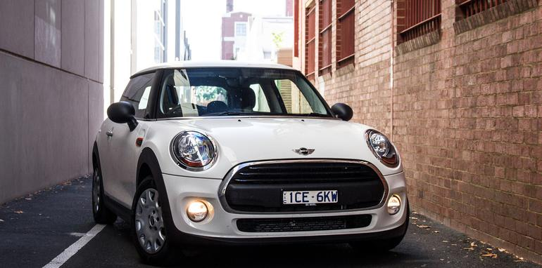 2015-mini-cooper-one-hatch-33