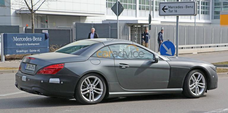 mercedes-benz-sl-facelift-spy-7-rear