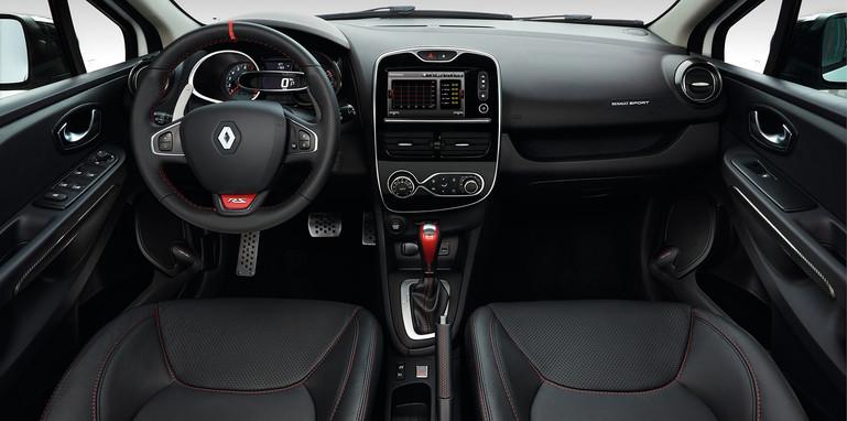 renault-clio-rs220-trophy-interior