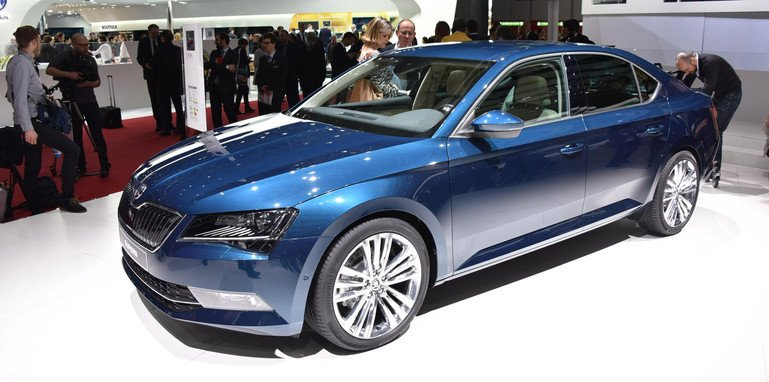 skoda-superb-floor