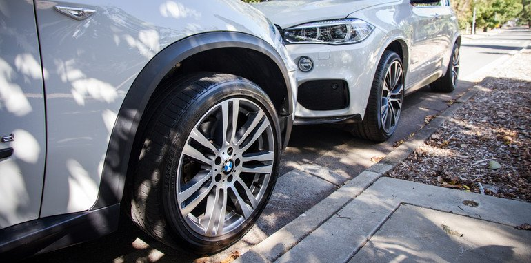 2015-BMW-X5vX5-e70vf15-oldvsnew-comparison-24