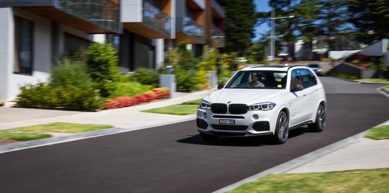 2015-BMW-X5vX5-e70vf15-oldvsnew-comparison-57