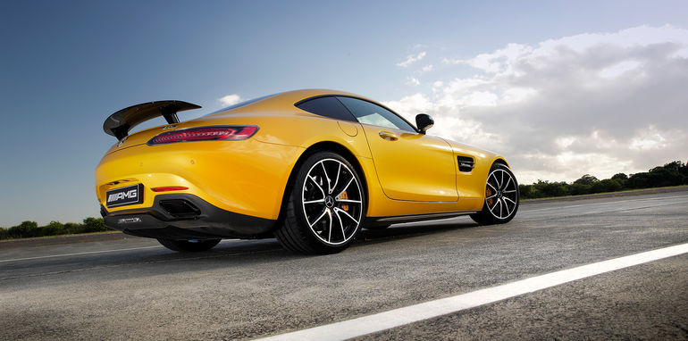 2015-mercedes-amg-gt-s-track-test-47