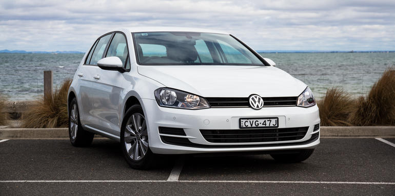 2015-volkswagen-golf-mark7-90tsicomfortline-34