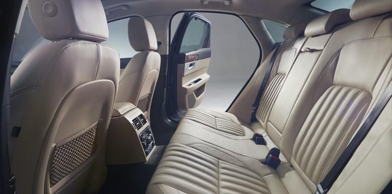 Jaguar XF_5