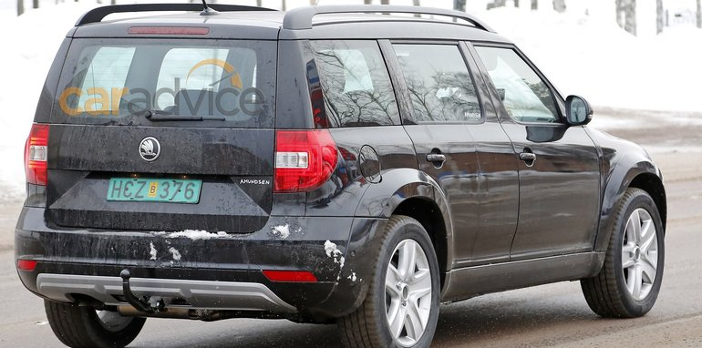 skoda-large-suv-mule-7-rear