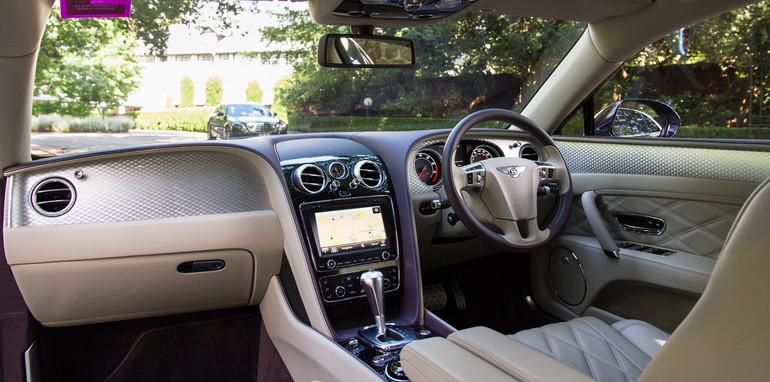 2015-bentley-v-mercedes-super-luxo-comparison-59