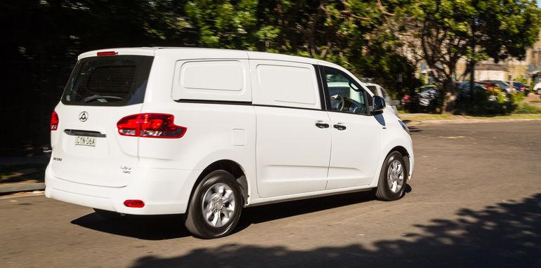 2015-ldv-g10-van-17