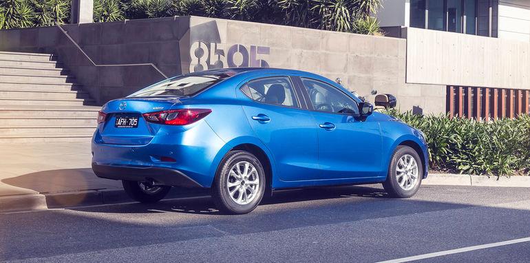 2016-Mazda-2-Sedan-9