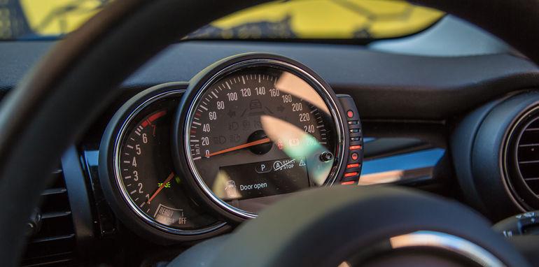 Audi_V_Mini-43