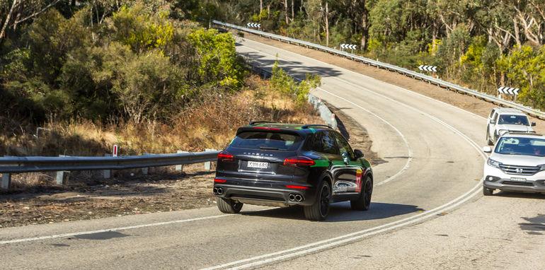 Porsche Cayenne v Range Rover Sport Hybrid Comparo-25