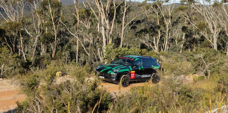 Porsche Cayenne v Range Rover Sport Hybrid Comparo-95