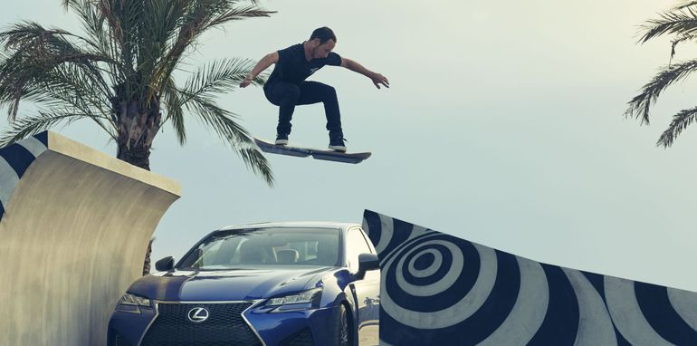 lexus_hoverboard_in-action