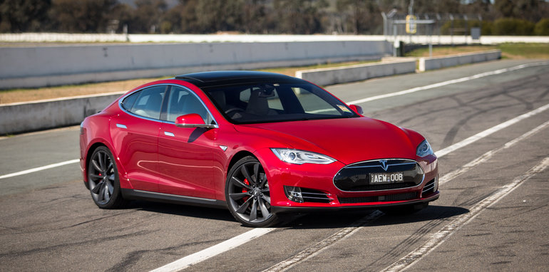 2015-tesla-model-S-p85D-v-v8-supercar-v-walkinshaw-w507-race-9