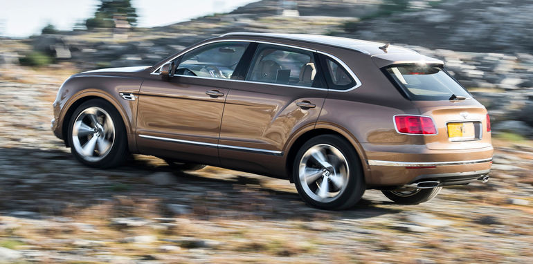 2016_bentley_bentayga_official_06