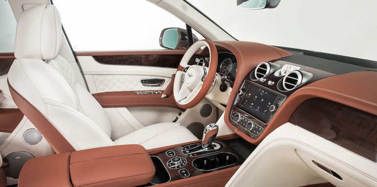 2016_bentley_bentayga_official_13