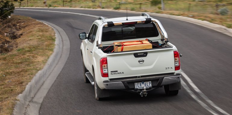 2015-eight-way-dual-cab-ute-comparison-38