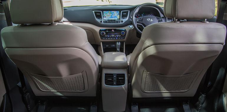 Hyundai Tucson V Honda CR-V-1-35