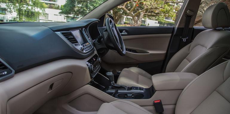 Hyundai Tucson V Honda CR-V-1-53