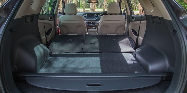Hyundai Tucson V Honda CR-V-1-58