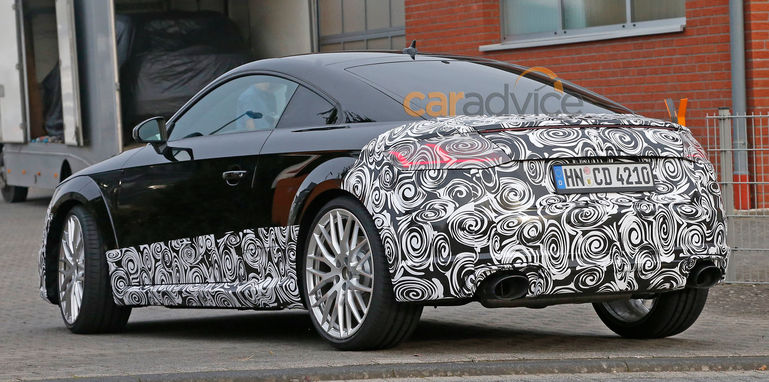 audi-tt-rs-spy-10-rear