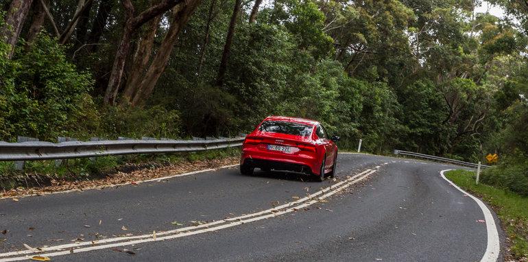 2015 Tesla Model S P85D v 2015 Audi RS7-113