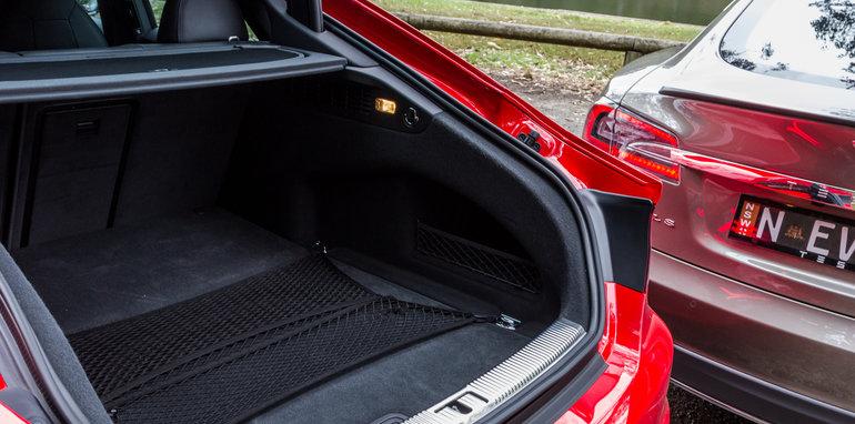 2015 Tesla Model S P85D v 2015 Audi RS7-35