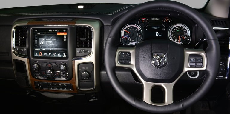 Ram_3500_AU_Interior_Dashboard_00002
