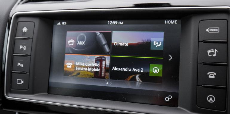 2015-luxury-sedan-comparison-mercedes-benz-jaguar-bmw-lexus-121