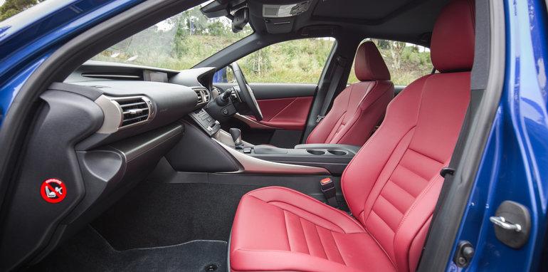 2015-luxury-sedan-comparison-mercedes-benz-jaguar-bmw-lexus-19