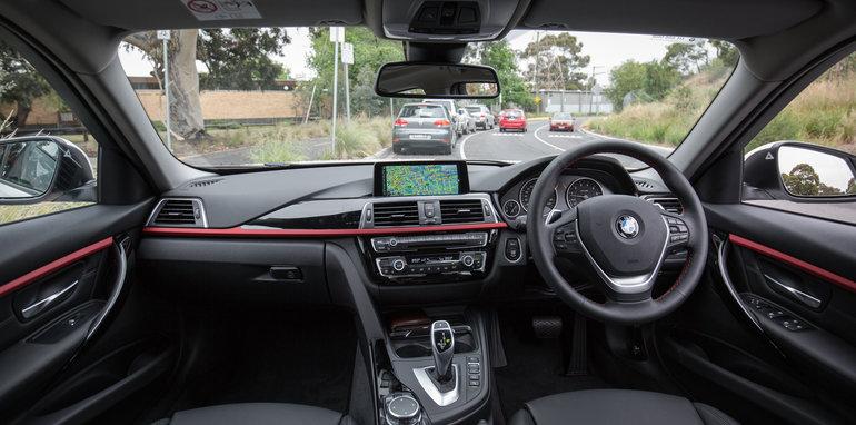 2015-luxury-sedan-comparison-mercedes-benz-jaguar-bmw-lexus-41