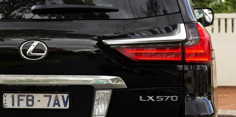 lexus-lx570-dec2015-64