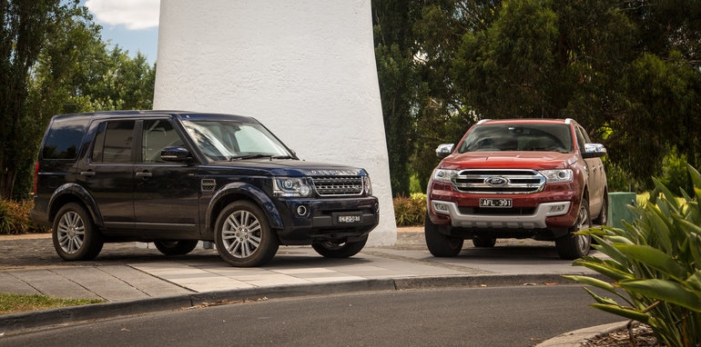 2016-ford-everest-titanium-v-land-rover-discovery-sdv6-se-comparison-128