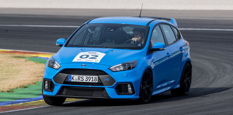 Global_Media1_Ford_Focus_RS_179