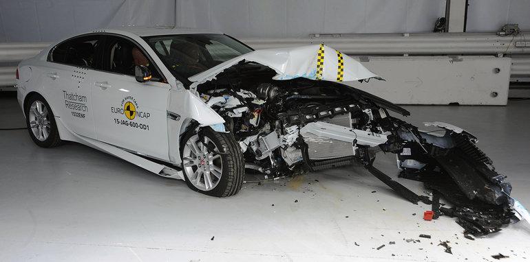 euroncap_best-in-class_2015_jaguar-xe