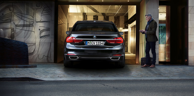 bmw-7-series_remote-control-parking