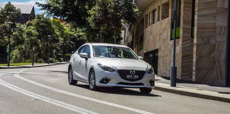 2016 Mazda 3 Touring Sedan v 2016 Hyundai Elantra Elite-102