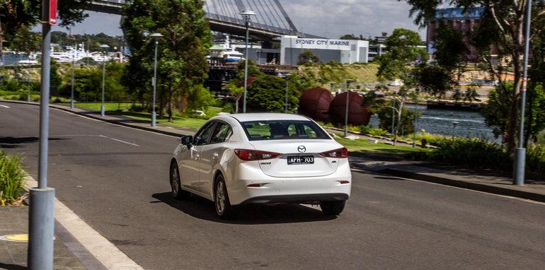 2016 Mazda 3 Touring Sedan v 2016 Hyundai Elantra Elite-91