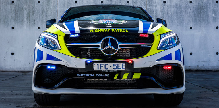 Mercedes_GLE_Police_Car_01